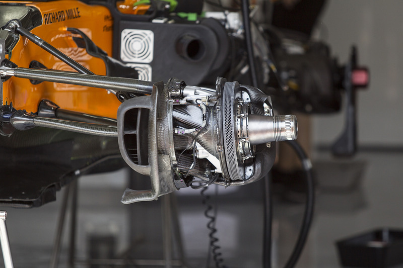 Передние тормоза McLaren MCL33