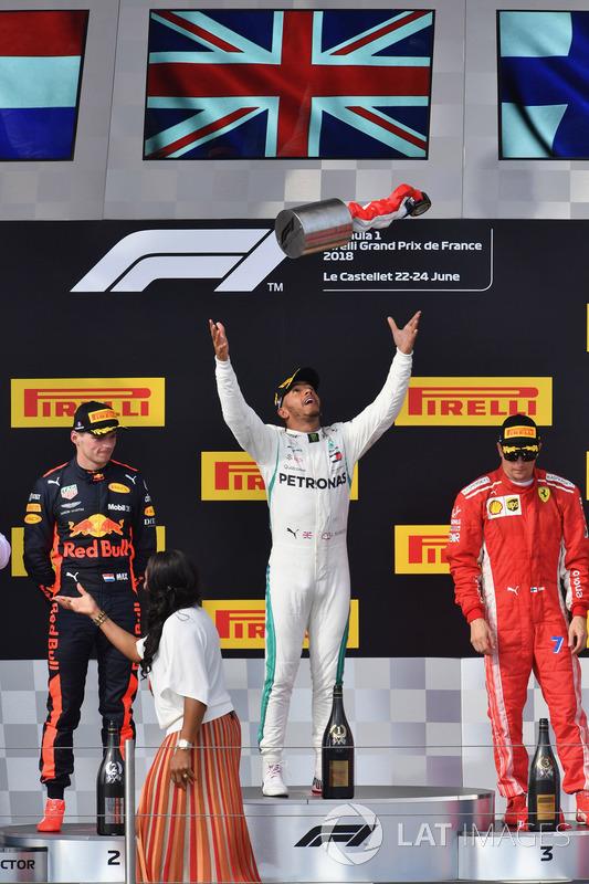 Podio: segundo lugar Max Verstappen, Red Bull Racing, ganador de la carrera Lewis Hamilton, Mercedes-AMG F1 y tercer lugar Kimi Raikkonen, Ferrari celebran