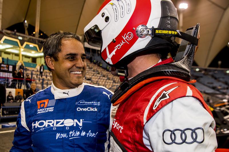 Juan Pablo Montoya del equipo Latinoamérica y Tom Kristensen del equipo nórdico