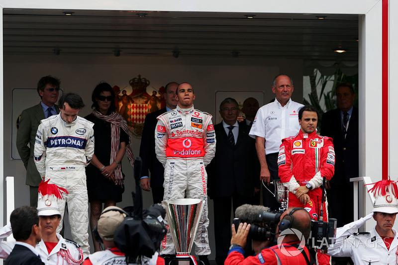 Podio: il vincitore della gara Lewis Hamilton, McLaren, il secondo classificato Robert Kubica, BMW Sauber F1, il terzo classificato Felipe Massa, Ferrari