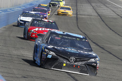 Erik Jones, Joe Gibbs Racing, Toyota Camry Sirius XM, Kurt Busch, Stewart-Haas Racing, Ford Fusion H