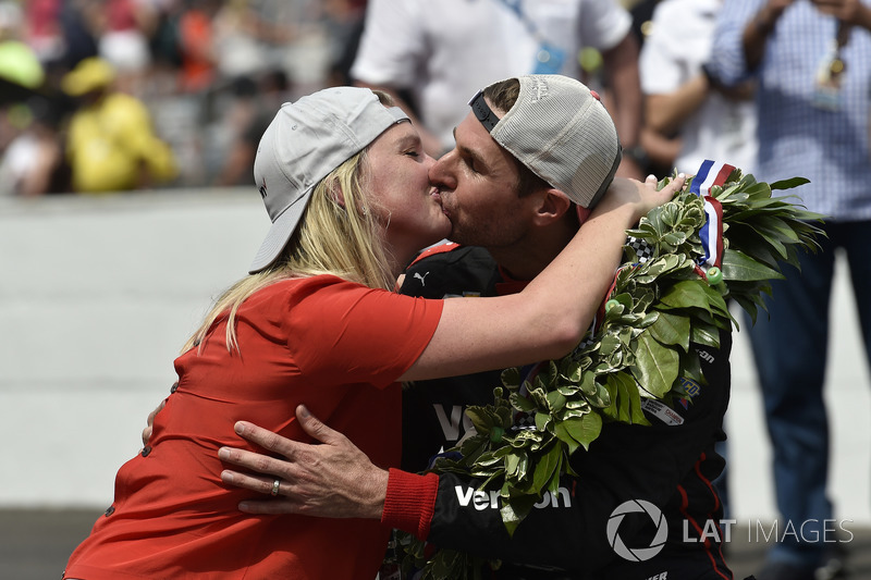 Will Power and Liz Power celebrate the win at the yard of bricks, Team Penske Chevrolet