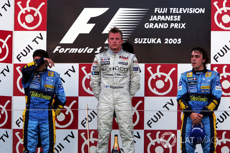 Podio: Giancarlo Fisichella, Renault, secondo; Kimi Raikkonen, McLaren, vincitore della gara; Fernando Alonso, Renault, terzo
