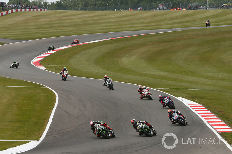 Tom Sykes, Kawasaki Racing passes Jonathan Rea, Kawasaki Racing