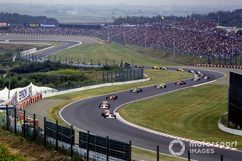 Alain Prost, McLaren leads