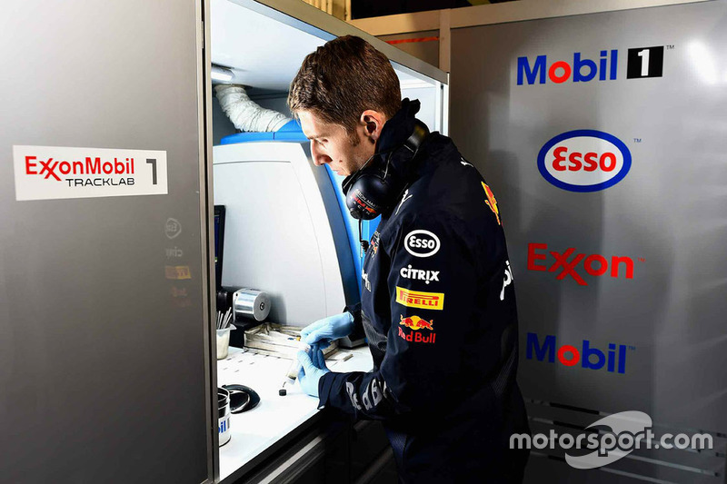 Red Bull Racing ExxonMobil