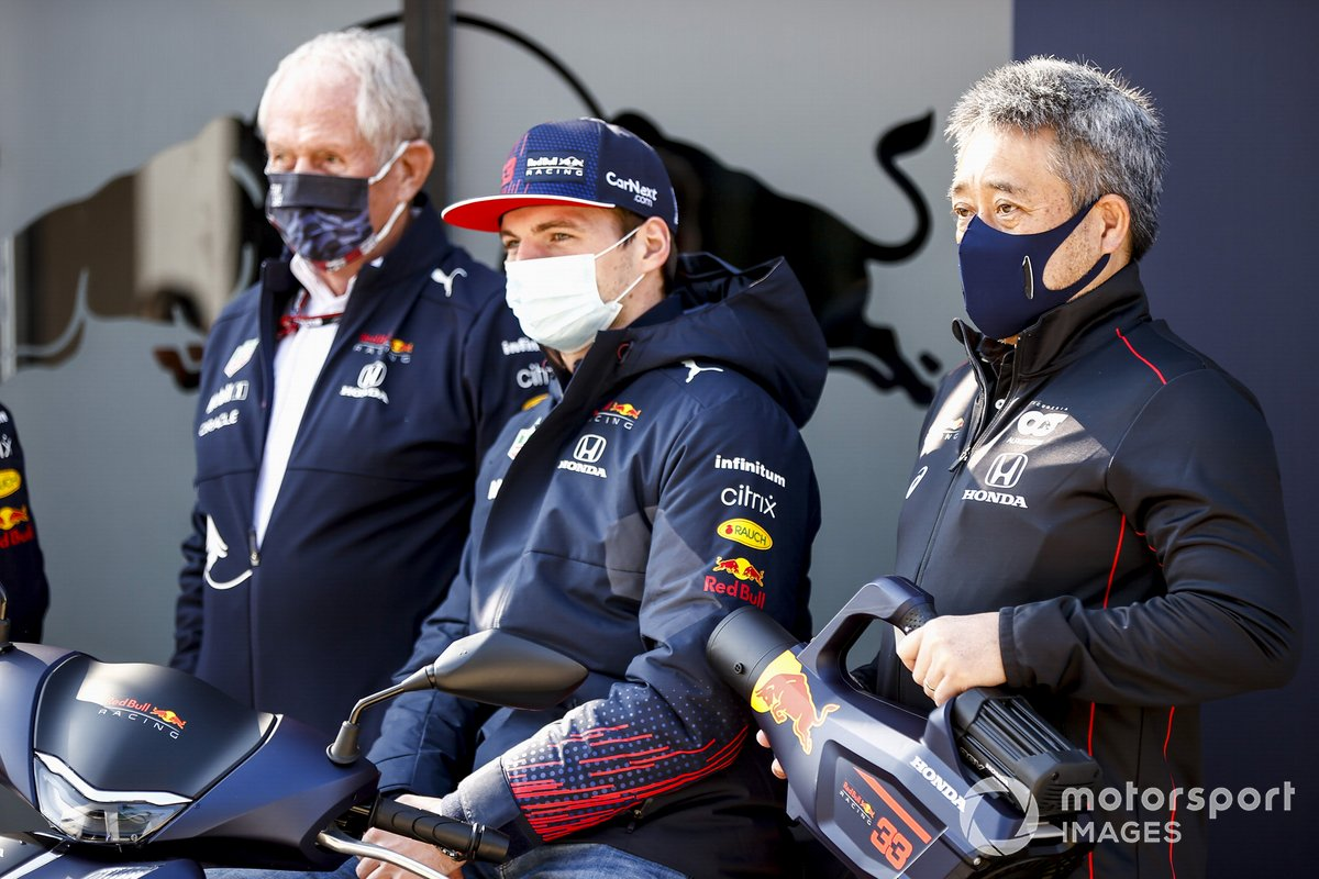 Helmut Marko, Consultant, Red Bull Racing, Max Verstappen, Red Bull Racing and Masashi Yamamoto, General Manager, Honda Motorsport