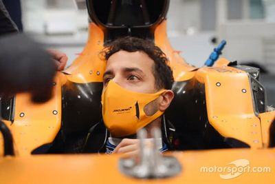Ricciardo McLaren fabrika ziyareti