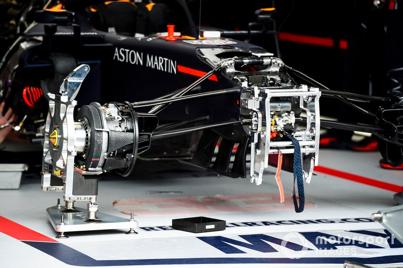 Red Bull Racing RB15 front suspension