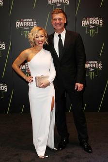 Clint Bowyer, Stewart-Haas Racing con la moglie Lorra