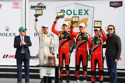 Подіум РС - переможці гонки Джеймс Френч, Кайл Мейсон, Патрісіо О'Ворд, Ніколя Булє, Performance Tech Motorsports