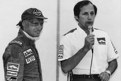 Ron Dennis announces the retirement of Niki Lauda from racing at the end of the season
