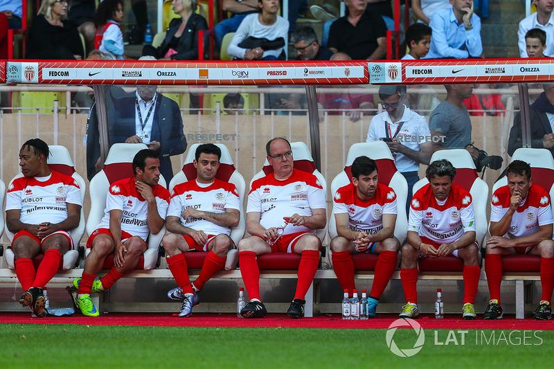 Князь Монако Альбер II со своей командой