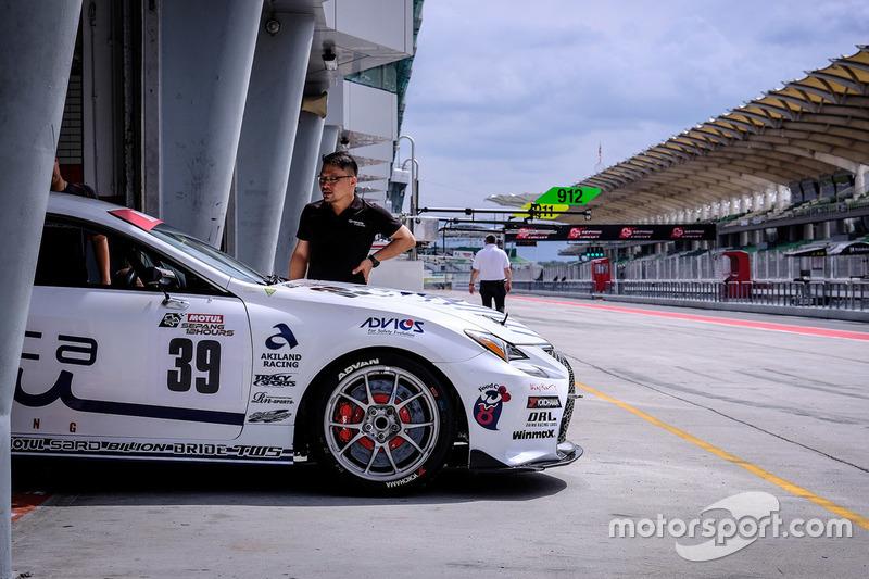 #39 Muta Racing TWS RC350, Lexus RC350: Ryohei Sakaguchi, Makoto Hotta, Teruhiko Hamano