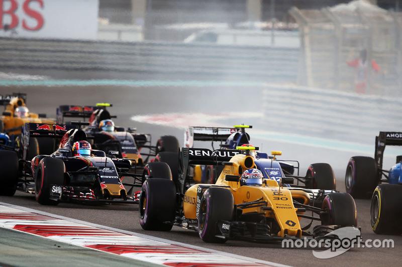 17e - Jolyon Palmer (Renault)
