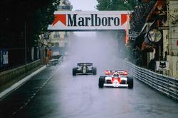 Alain Prost, McLaren MP4\2 TAG Porsche, Mirabeau'da, Nigel Mansell, Lotus 95T Renault