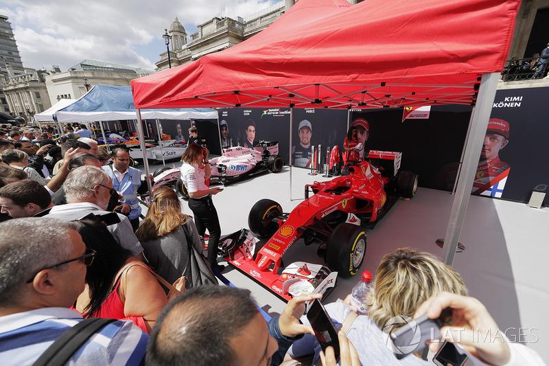 Уболівальники, Ferrari SF70H