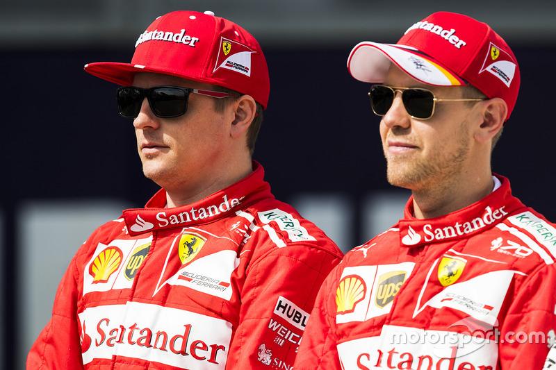 Kimi Raikkonen, Ferrari, y Sebastian Vettel, Ferrari