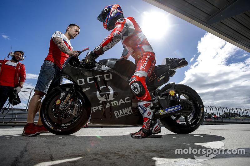 16 місце — Даніло Петруччі (Італія, Ducati GP17) — коефіцієнт 301,00