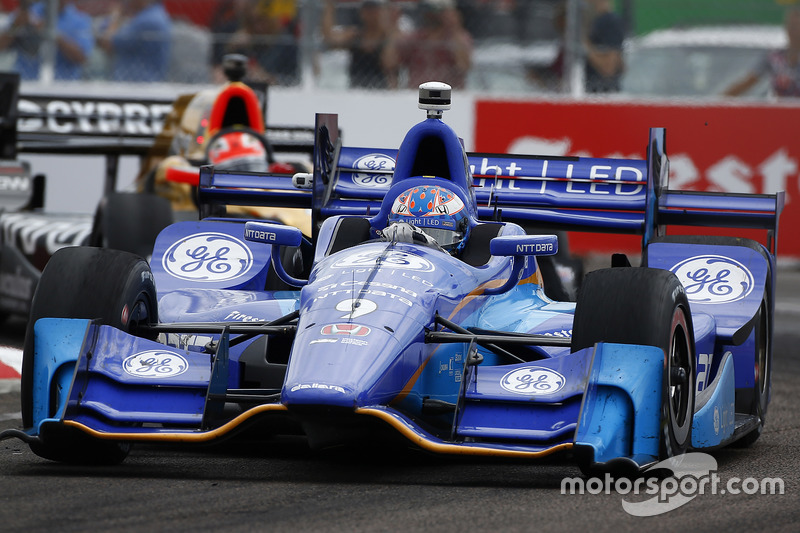Scott Dixon, Chip Ganassi Racing Honda, James Hinchcliffe, Schmidt Peterson Motorsports Honda