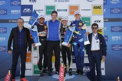 Podium: Race winner Lando Norris, Carlin Dallara F317 - Volkswagen, second place Jehan Daruvala, Carlin, Dallara F317 - Volkswagen , third place Ferdinand Habsburg, Carlin, Dallara F317 - Volkswagen