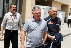Guenther Steiner, Haas F1 Team Prinicipal with Dave Ryan, Manor Racing Racing Director and Franz Tost, Scuderia Toro Rosso Team Principal