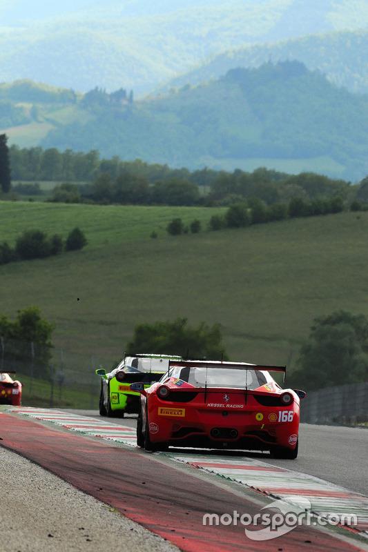 #166 Kessel Racing, Ferrari 458: Daniel Kuenzli