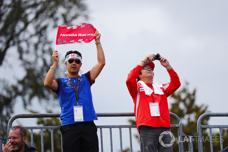 tifosi Toro Rosso Honda e Ferrari