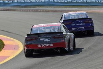 Denny Hamlin, Joe Gibbs Racing, Toyota Camry FedEx Ground, Erik Jones, Joe Gibbs Racing, Toyota Camry buyatoyota.com