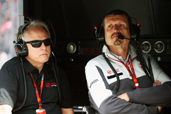 Gene Haas, Haas Automotion President and Guenther Steiner, Haas F1 Team Principal