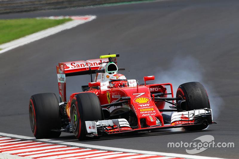 Kimi Raikkonen, Ferrari SF16-H locks up under braking