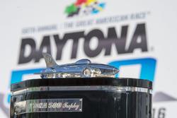 El trofeo de Daytona 500