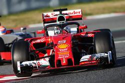 Sebastian Vettel, Ferrari SF16-H, probando el concepto Halo.