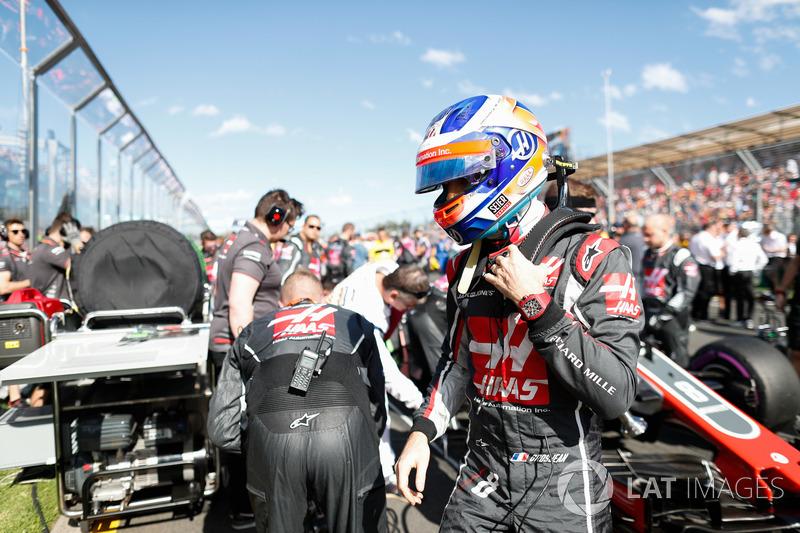 Romain Grosjean, Haas F1 Team VF-18 Ferrari, on the grid