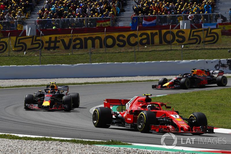 Kimi Raikkonen, Ferrari SF71H, Max Verstappen, Red Bull Racing RB14 and Daniel Ricciardo, Red Bull Racing RB14