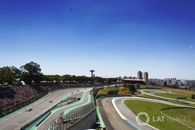 Valtteri Bottas, Mercedes AMG F1 W08, Sebastian Vettel, Ferrari SF70H, Kimi Raikkonen, Ferrari SF70H, on to the grid