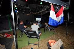 Campsite fans and atmosphere