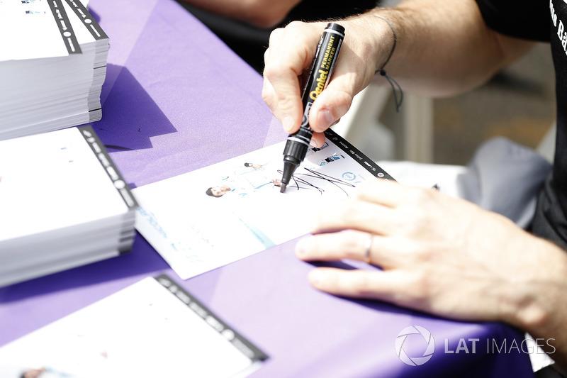 Nicolas Prost, Renault e.Dams, at the autograph session