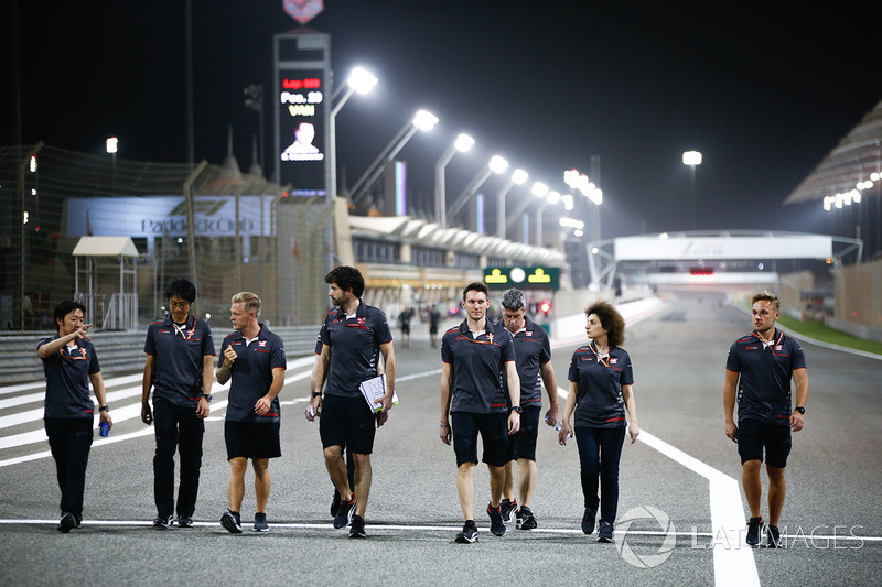 Track walk with Kevin Magnussen, Haas F1 Team