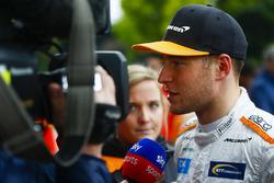 Stoffel Vandoorne, McLaren, talks to the press