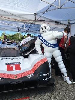 Michelin Man with the Porsche 919