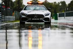 سيارة الأمان