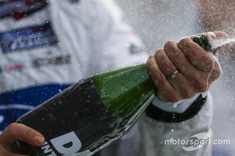 Champagne op het podium