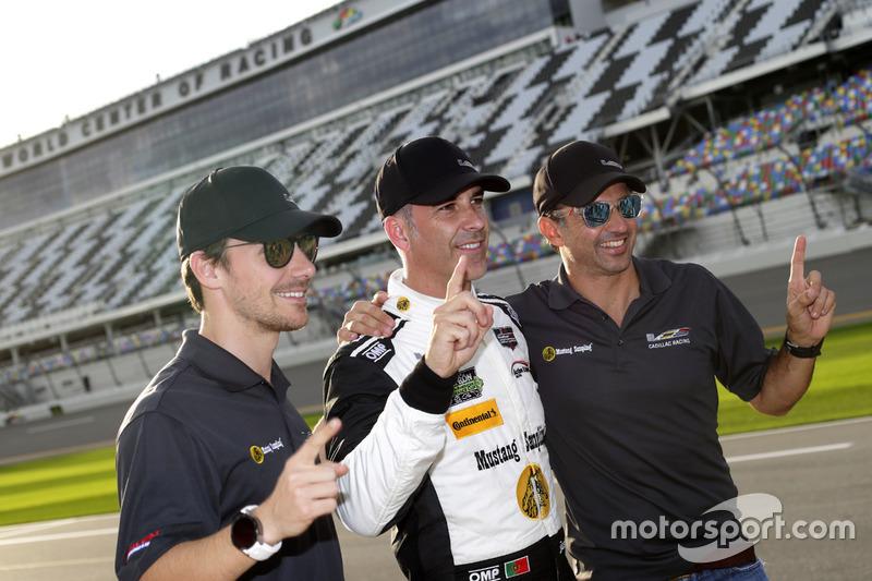 Pole position para #5 Action Express Racing Cadillac DPi: Joao Barbosa, Christian Fittipaldi, Filipe