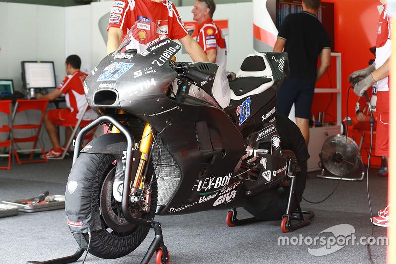 Moto de Casey Stoner, Ducati Team