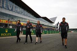 Ромен Грожан, Haas F1 Team, на трасі з колегами