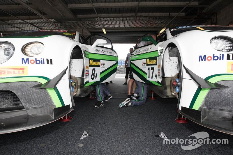 #8 Bentley Team M-Sport, Bentley Continential GT3, #17 Bentley Team M-Sport, Bentley Continential GT3