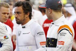 Гонщики McLaren Фернандо Алонсо и Стоффель Вандорн