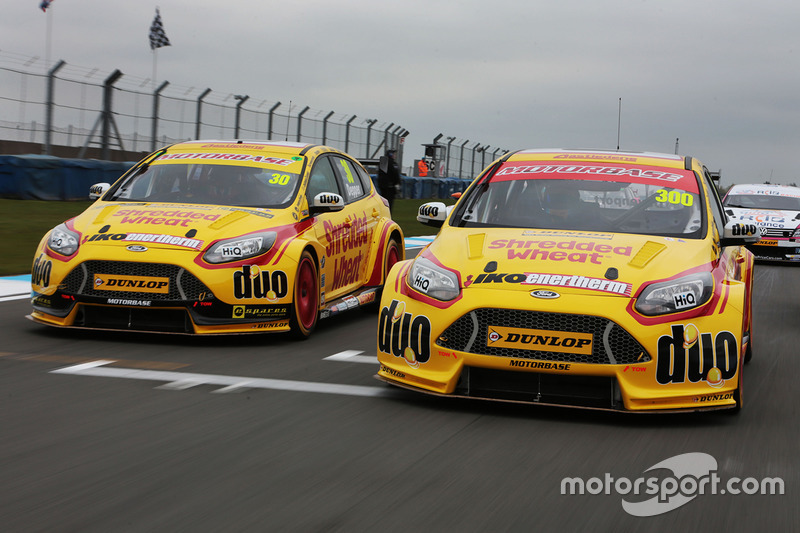 Luke Davenport, Team Shredded Wheat Racing with Duo Ford Focus