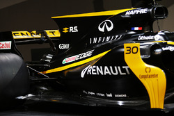 Renault Sport F1 Team RS17 engine cover and rear wing